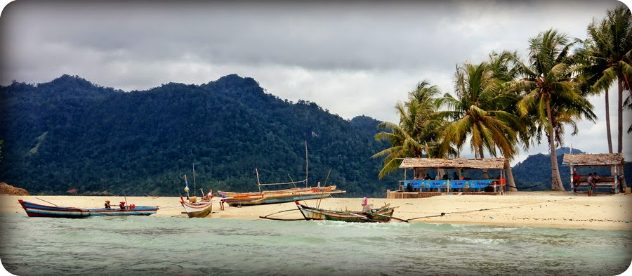 Pulau Pamutusan Sumatera Barat