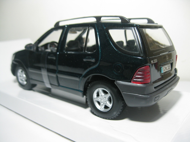 Jual diecast miniatur mobil sport dan klasik katalog for Benz sport katalog