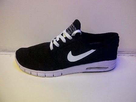 Sepatu Nike Running Stefan Janoski, Nike Running Stefan Janoski Hitam