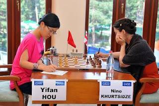 Echecs à Jermuk ronde 5 : Hou Yifan (2617) 1-0 Nino Khurtsidze (2456) - Photo © site officiel