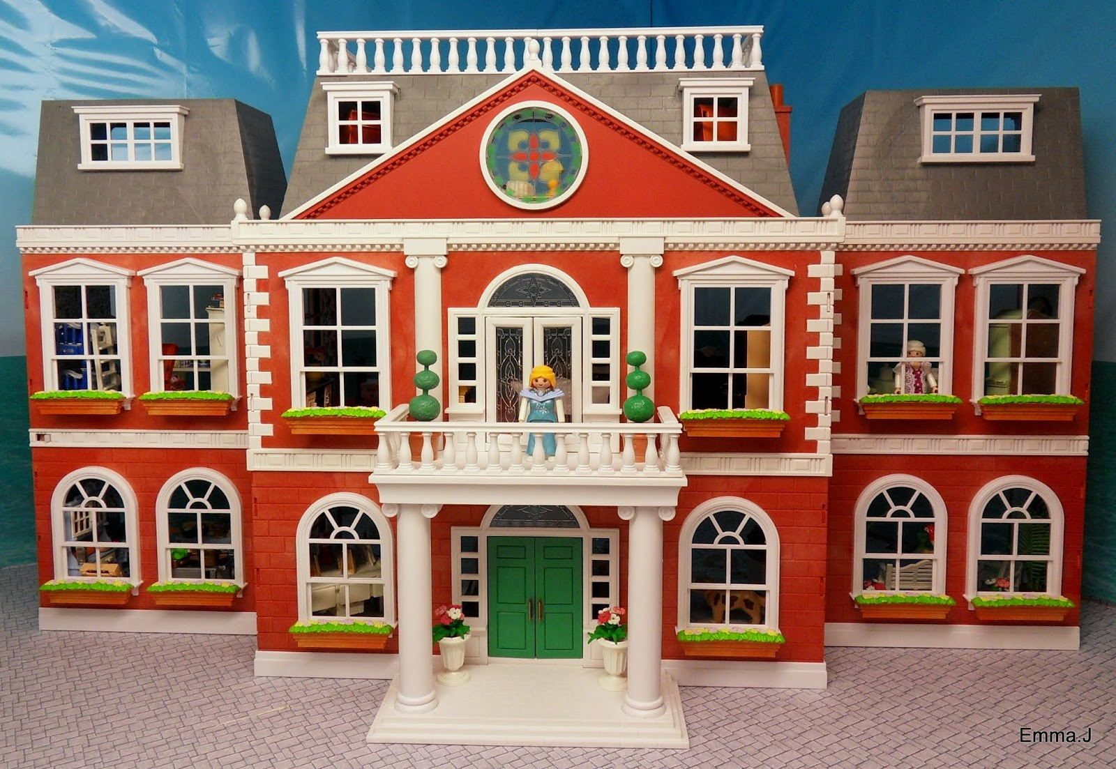 The Red Square Mansion Emma J S Playmobil