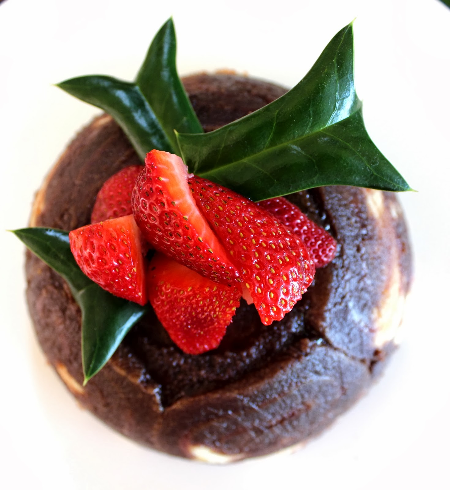 Easy swiss roll chocolate christmas pudding desire empire for Xmas pudding