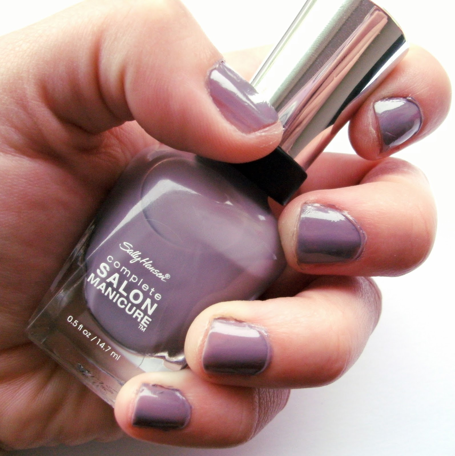 Greige Nail Polish: NOTD #1 With Sally Hansen And Barry M