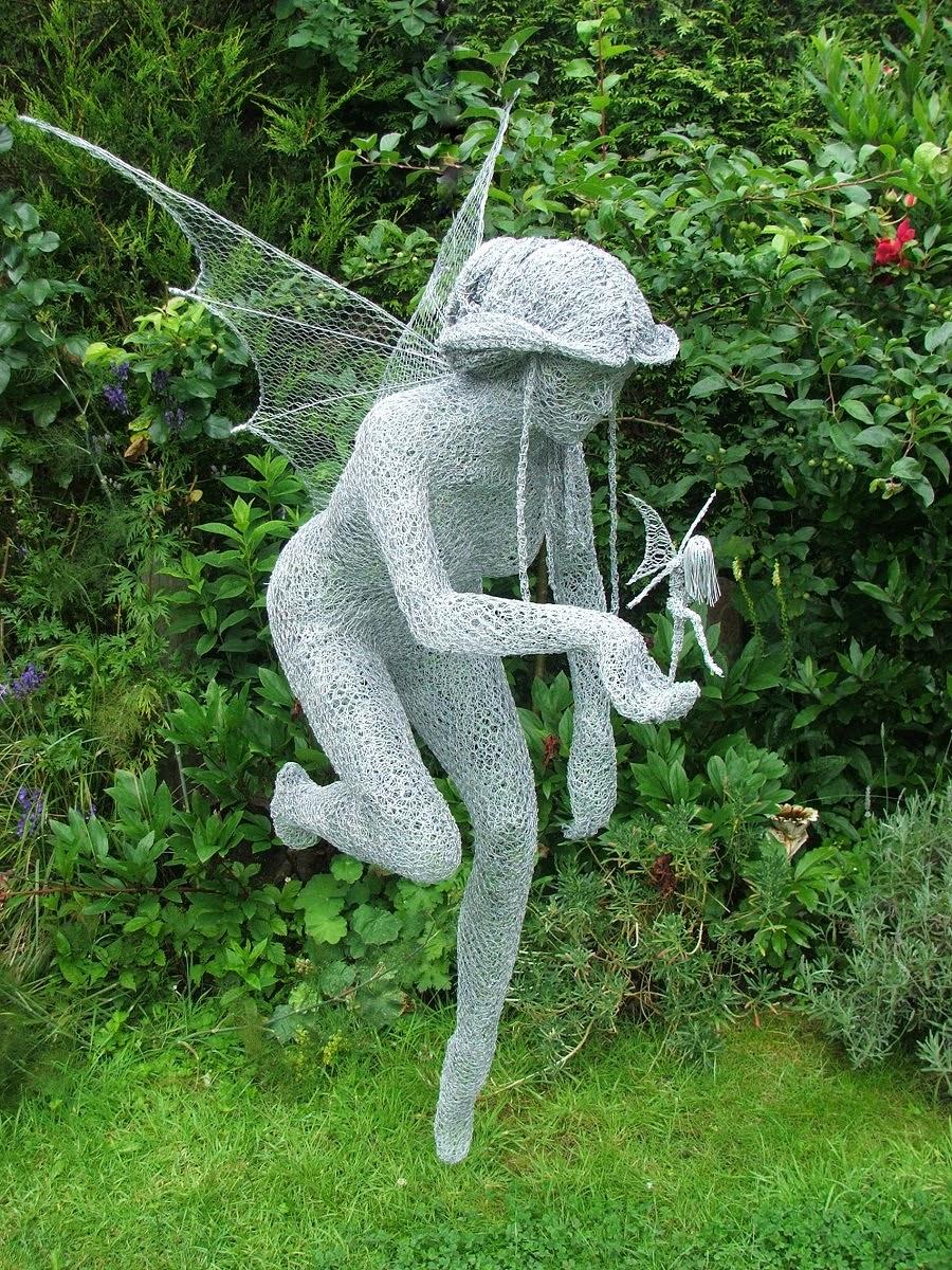 Simply Creative: Wire Sculptures by Derek Kinzett