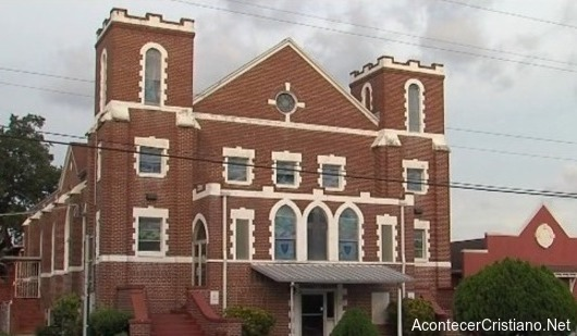 Iglesia cobra el diezmo