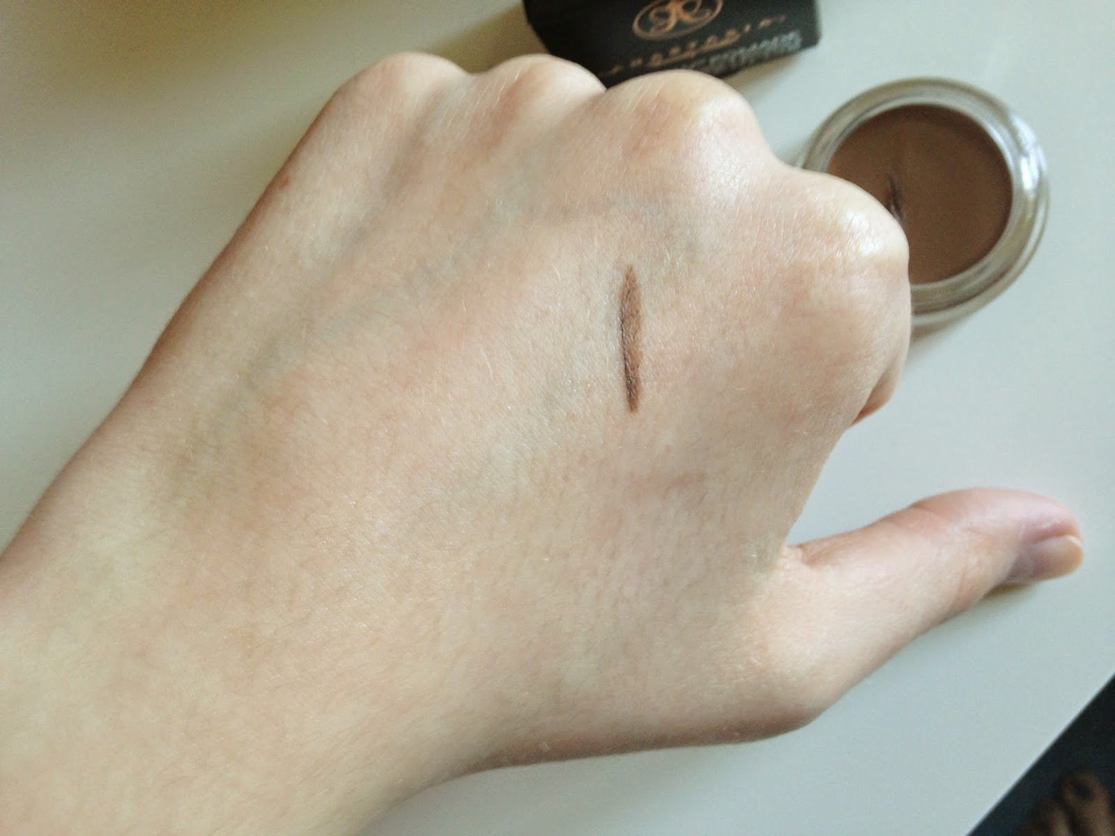 Anastasia Beverly Hills Dipbrow Pomade in Soft Brown Swatch
