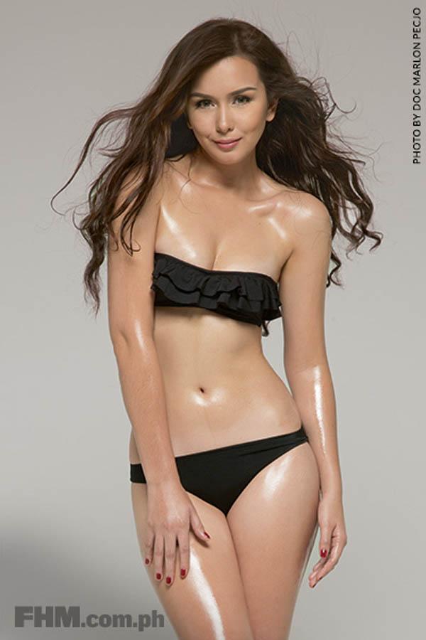 beauty gonzales sexy bikini pics 01
