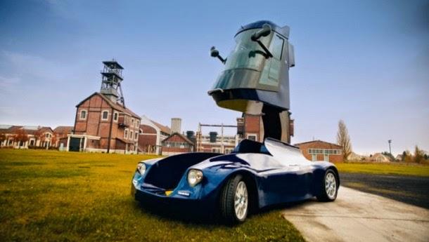 Conheça o carro elétrico que é o Transformer da vida real