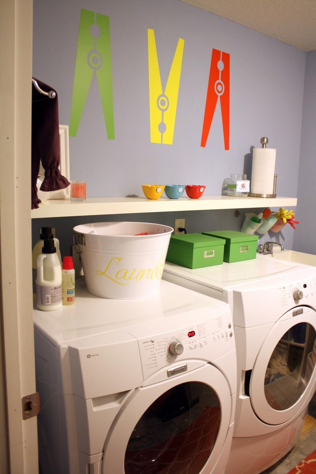decoracao cozinha e area de servico integradas:Clothes Laundry Room Decals