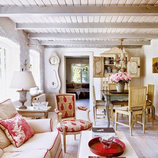 Idyllic thatched cottage/lulu klein