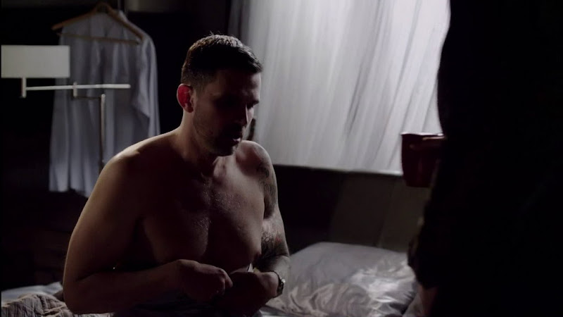 Ashley Hamilton Shirtless in Femme Fatales s2e07