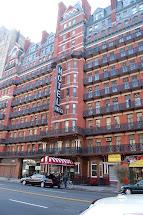 Adventure Hoteling Chelsea Hotel