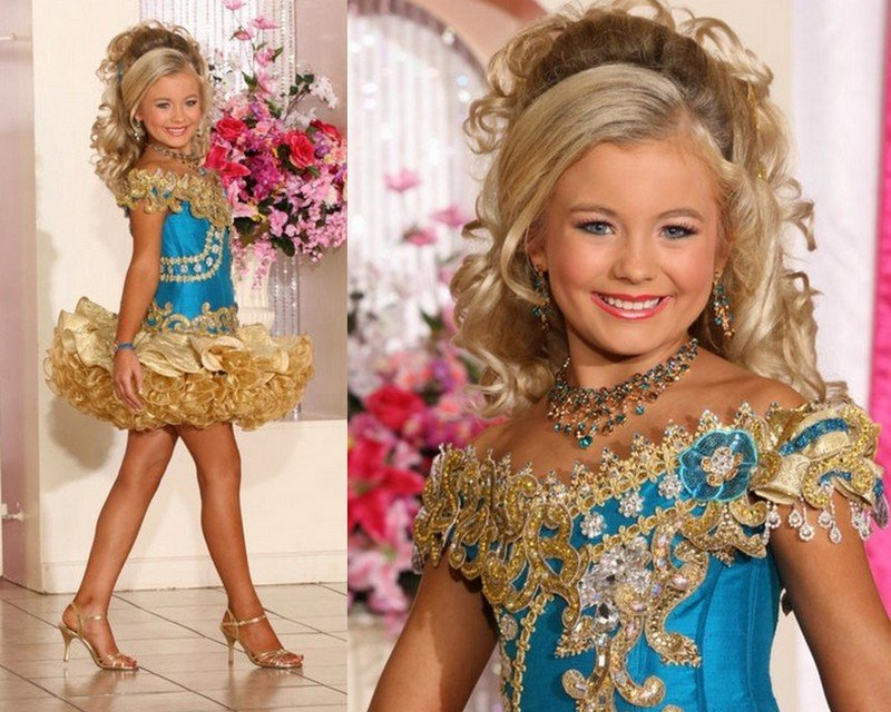 boy as blue princess on independece day story of