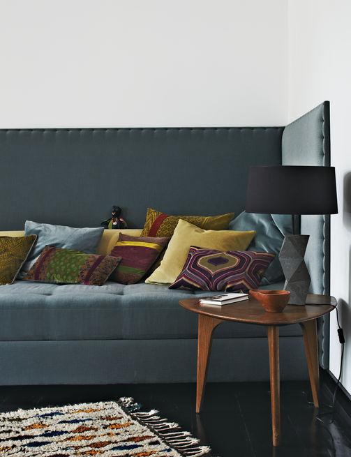 apartamento decorado en tonos grises