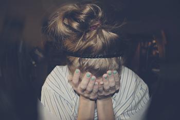 Sonrie cuando estés triste, llorar es demasiado fácil