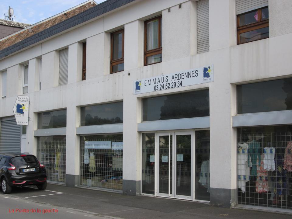 A la pointe de la gauche givet le d p t vente d 39 emma s va tr s bient t - Emmaus paris depot vente ...