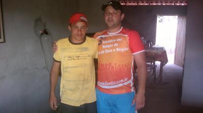 Grupo Amigos de Gentio do Ouro realizou doação para ajudar a custear tratamento de saúde do Jovem Leilton de Carvalho Pinto: