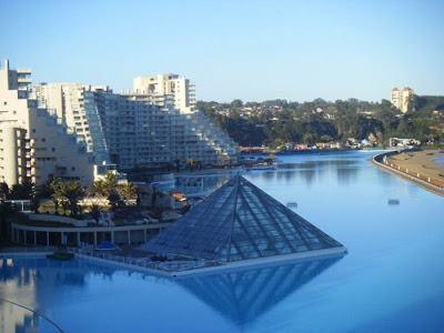 bassein 0017 أكبر و أنقى حمام سباحة في العالم بتكليف خمسة بلاين جنية استرليني  في تشيلي