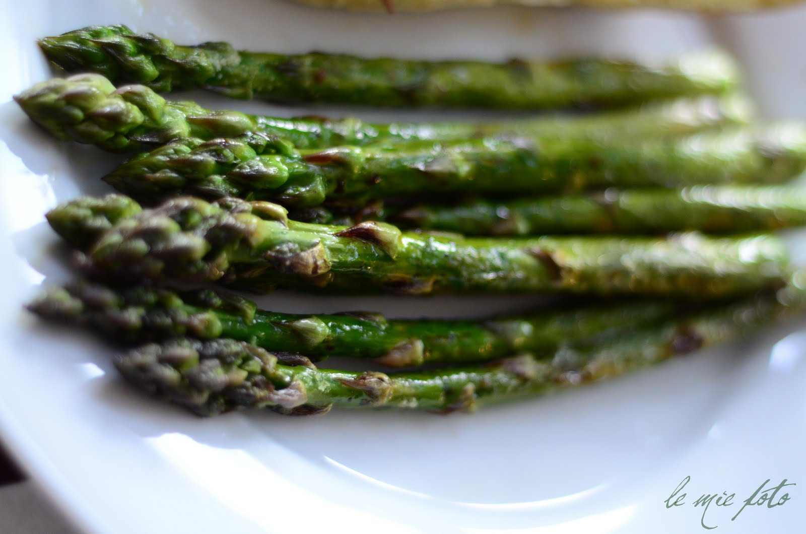 Grilled) Asparagus.