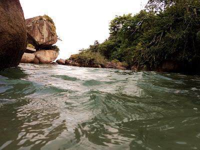 brasil rio de janeiro br 101 trindade viajando sem frescura turismo ferias praia verao sol fotos dicas relato camping pousada piscina natural cachadaço