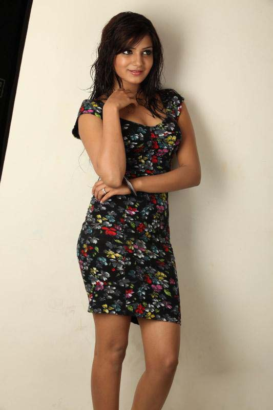 Samantha Latest Photoshoot with black and white dress_MyClipta
