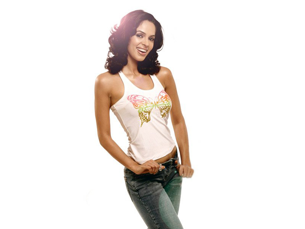 wallpapers mallika sherawat bikini - photo #29
