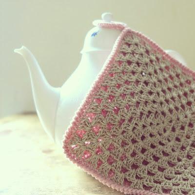 ByHaafner, crochet, potholder, pastel, granny square, pink, organic hemp yarn, Rosenthal teapot, crochet crabstitch