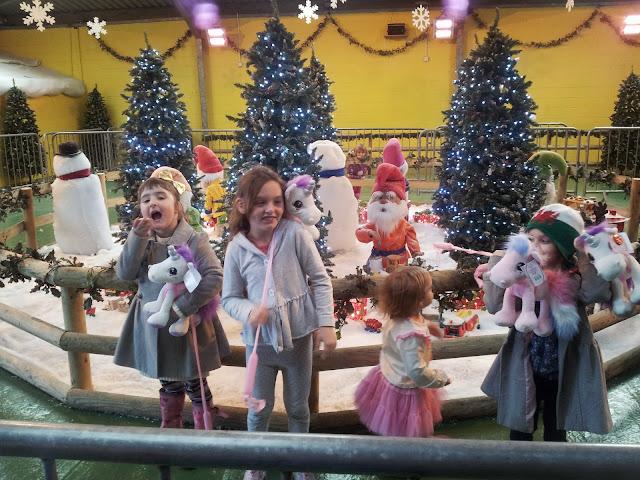 Christmas 2013 Santa Scene Presents