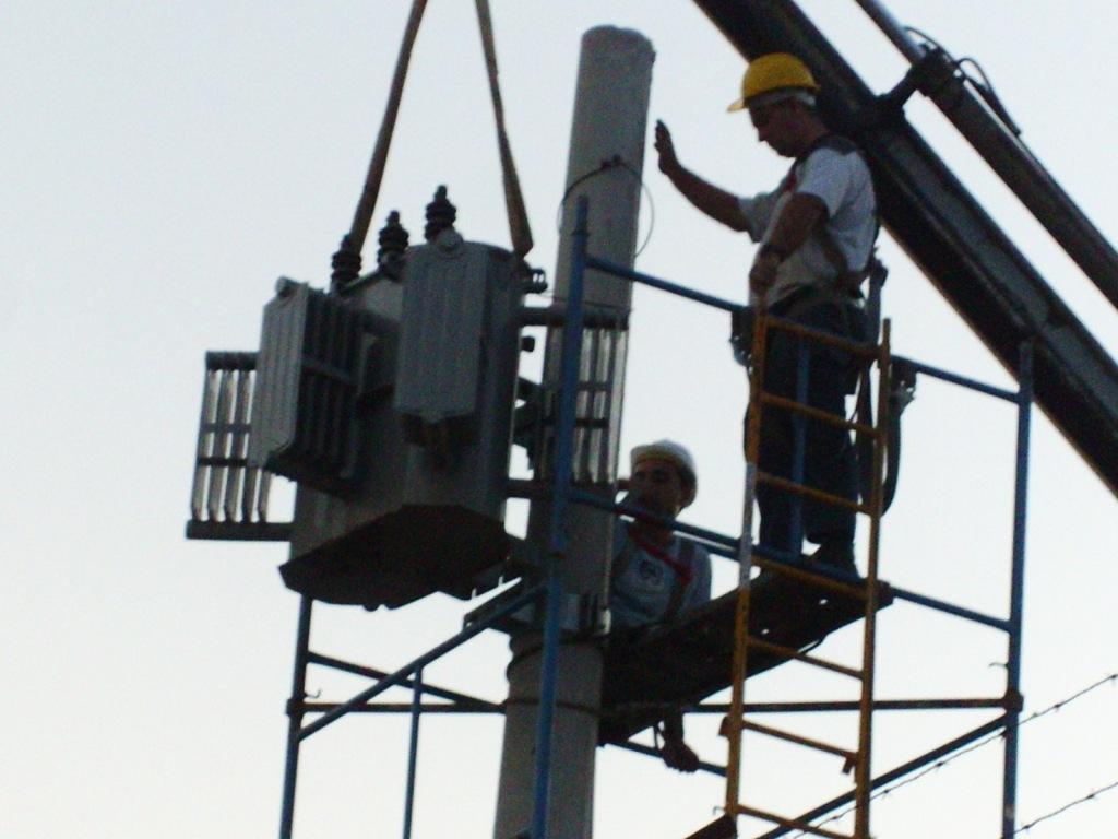 Fort Volt  eletricistas em Santos:(13)30173333 / 9128-431