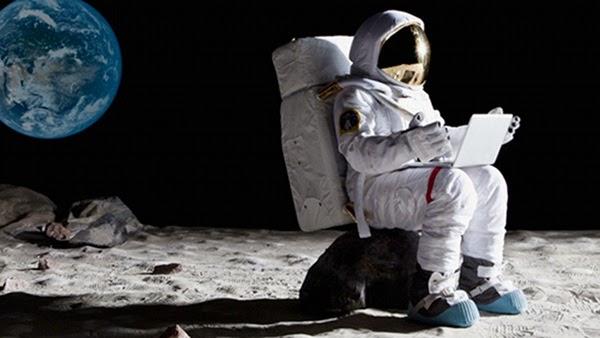 Biarkan Mereka ke Bulan, Mari Kita ke Surga