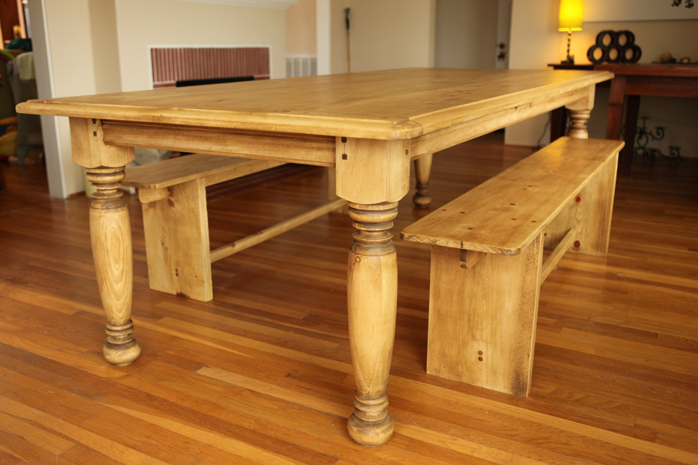 farmhouse table w primitive bench