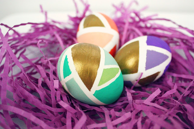 8 Easter Egg Decorating Ideas + a tutorial featured by Top US Craft Blog + The Pretty Life Girls: Hand-Painted Geometric Easter Eggs