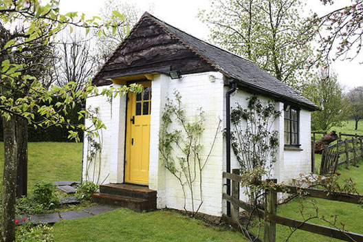 Serendipity 39 s library writing sheds - The writers cottage inspiration by design ...