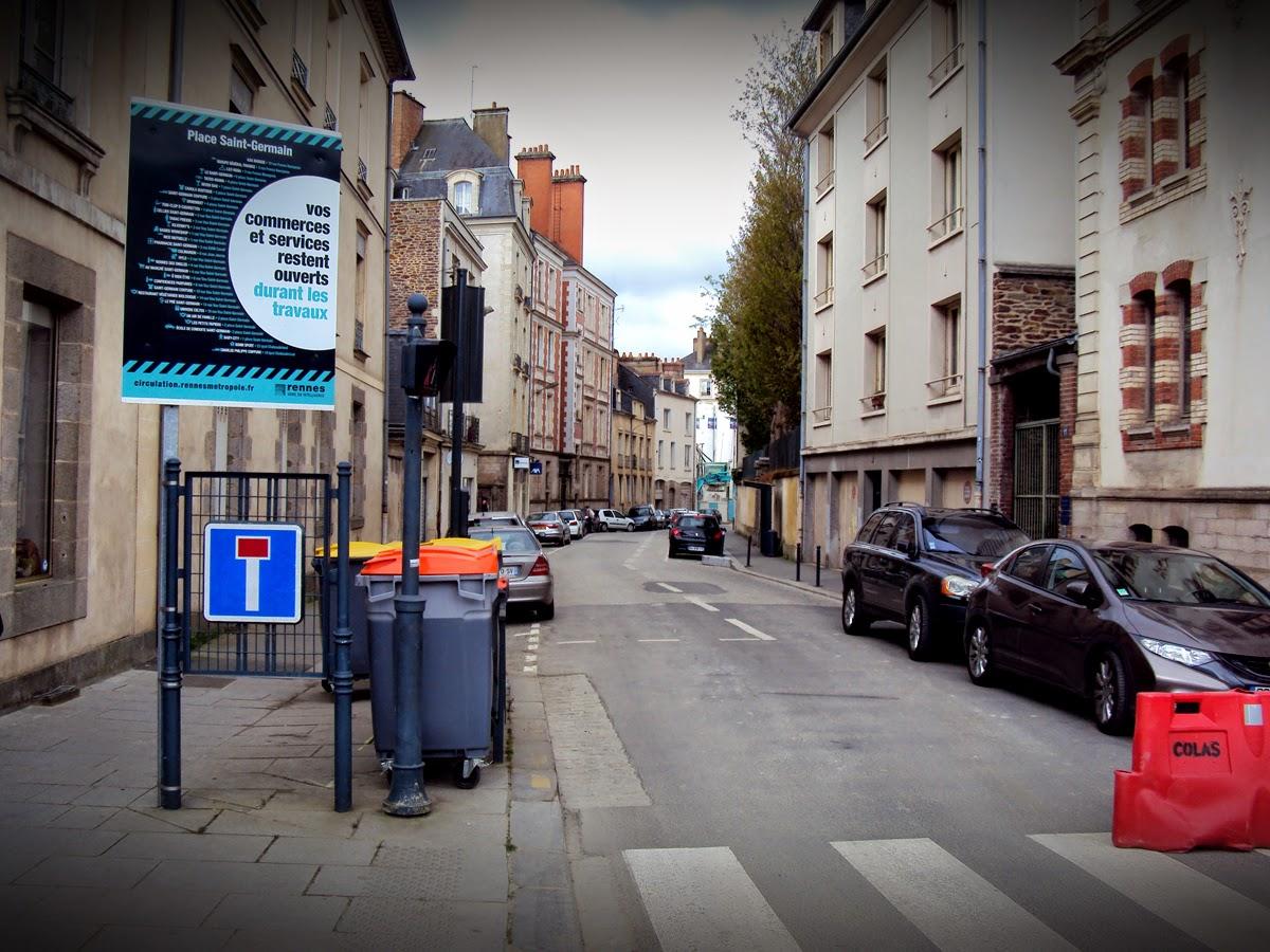 L'entrée de la rue des Francs Bourgeois - C'est l'anarchie !