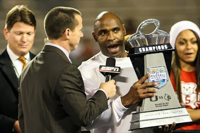 Report: Texas offers head coaching job to Louisville's Charlie Strong.
