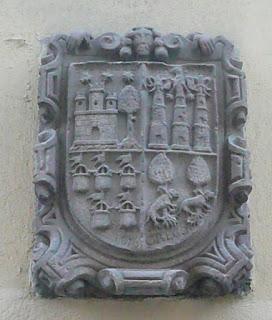 escudo heráldico sito en el barrio de las Letras