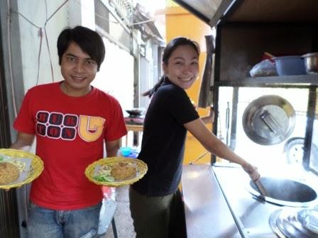 very+afi+dan+pasha+afi+jadi+pedagang+mie Juara 1 AFI Indosiar Yang Kini Berubah Nasib Menjadi Pedagang Nasi Goreng