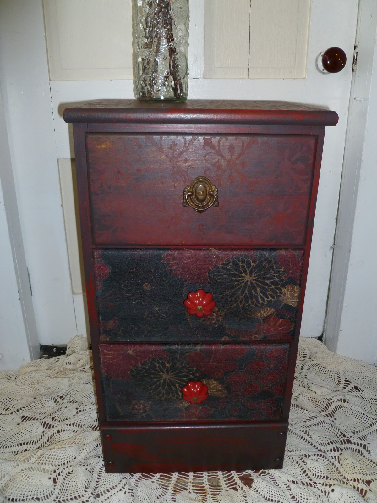 Wednesday 39 S Before And After Furniture Makeover Lil 39 Red