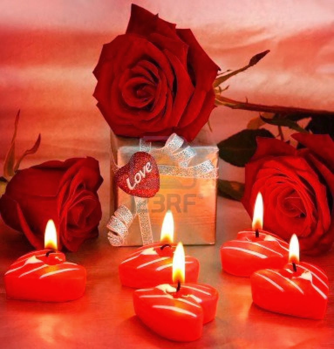 8749939 romantic gift red roses with candles love