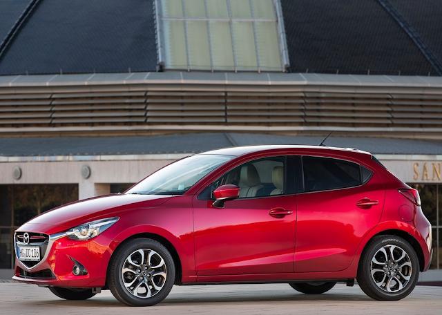 2016 Mazda 2 red