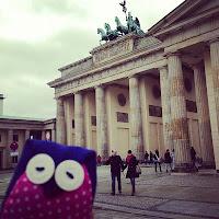 Pina vor dem Brandenburger Tor