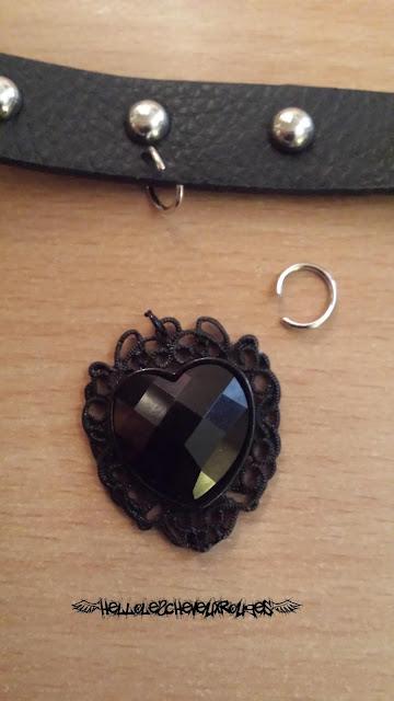 Collier ras de cou gothique coeur noir détaché et attache pour le premier collier www.hellolescheveuxrouges.com