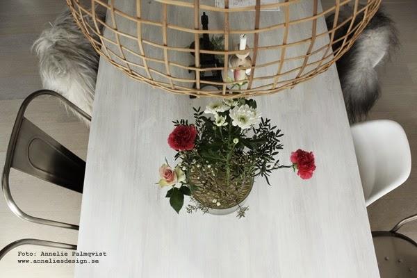 klong, klong vas äng, äng, vaser, design, designpryl, rund vas av glas med metall,