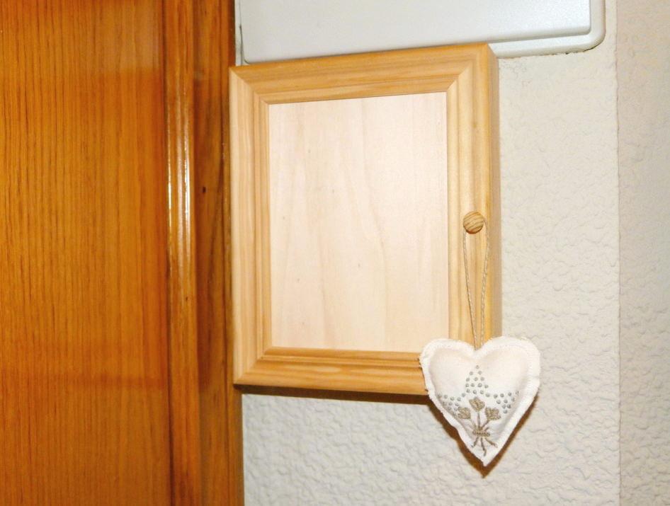 Armario para llaves decorado isabel vintage for Armario madera natural