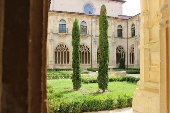 imagen_oña_burgos_ona_cronicon_iglesia_monasterio_claustro