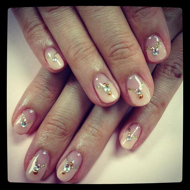 Brush up and Polish up!: CND Shellac Nail Art - Princess nails