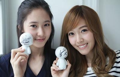 Foto Kemesraan Jessica SNSD dan Krystal F(x) Terbaru 3