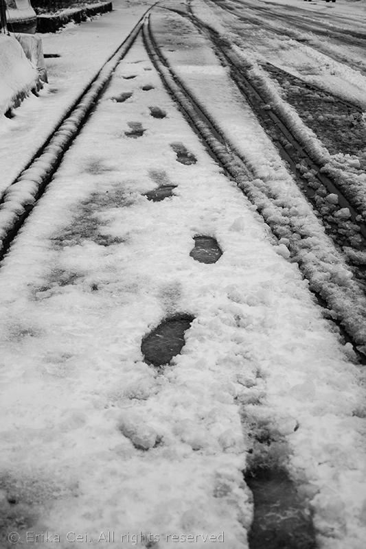 Trieste Porto Vecchio neve rotaie orme