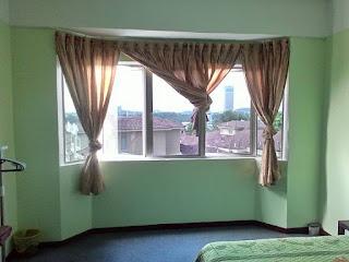 Tinted cermin rumah, homestay, shah alam