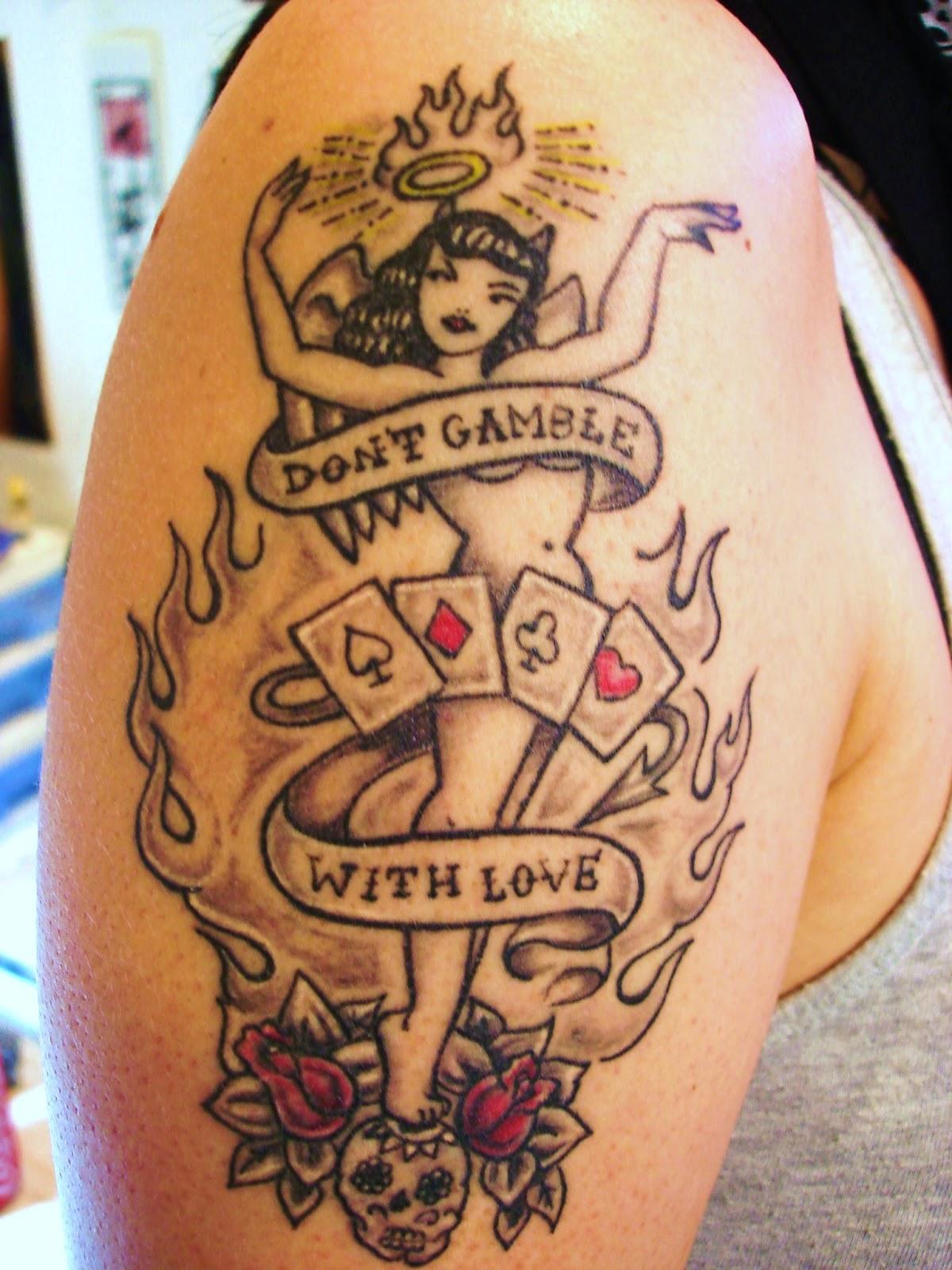 Toop tattoo old school tattoo for Old school pin up tattoos